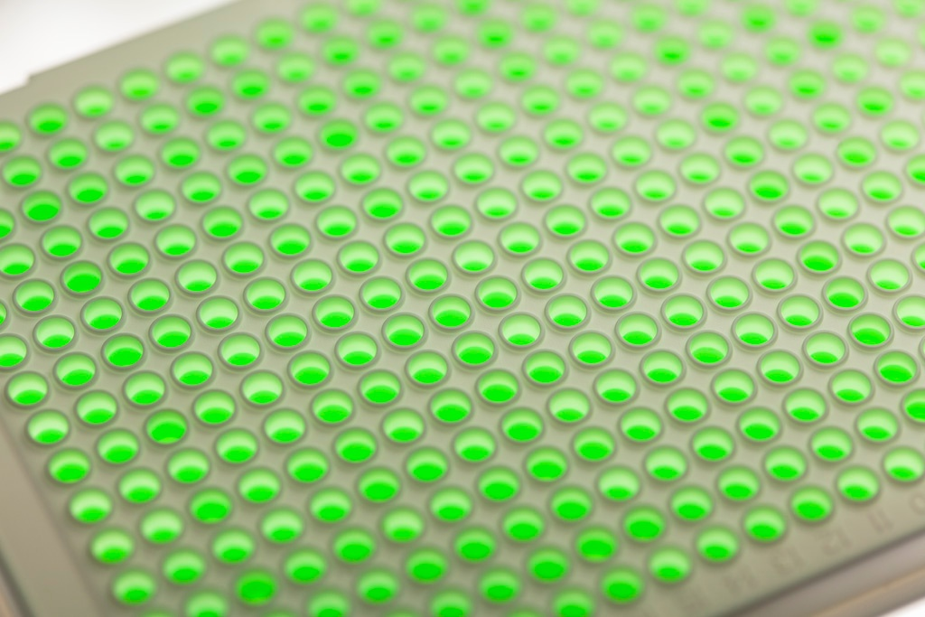 automated sample management for live cells